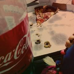 Fechando a noite com pizza e bate papo animado com uma galerinha muito gente fina! #100happydays #day30