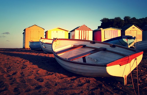sunset beach digital canon geotagged eos coast boat seaside sand sundown mr hut devon shore beachhut dslr canoneos beachhuts gareth tempus teignmouth morodo 60d volat canoneos60d eos60d wonfor mrmorodo garethwonfor tempusvolat
