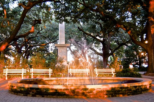 light sunset monument savannah sunlightonwater johnsonsquare generalnathanielgreen