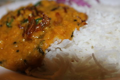 Vegetable daal,steamed rice and purple onions