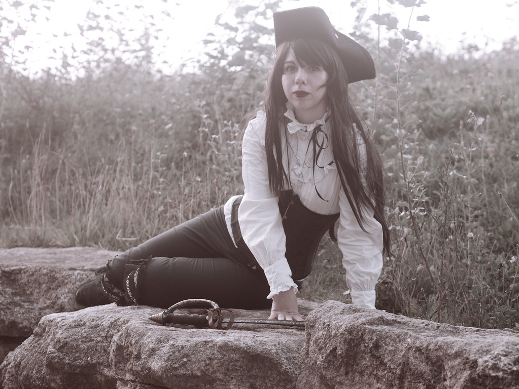 related image - Shooting She's a Pirate - Avignon - 2014-08-10- P1910110