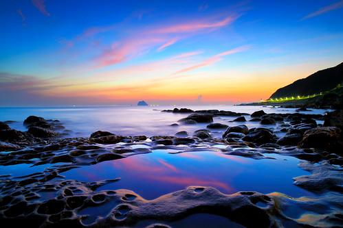sea cloud reflection rock sunrise canon landscape dawn taiwan 基隆 taipei 台灣 風景 hy bai keelung 日出 攝影 外木山 大武崙 神桌 waimushan 風景攝影 dawulun fave100 hybai 外木山濱海風景區