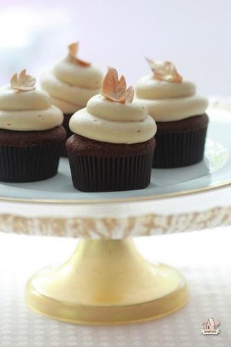 Chocolate-Caramel-Cupcakes-Sweetopia-590x885