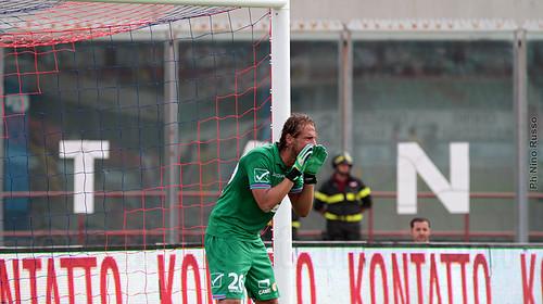 Anania salva momentaneamente il risultato per il Catania con una gran parata