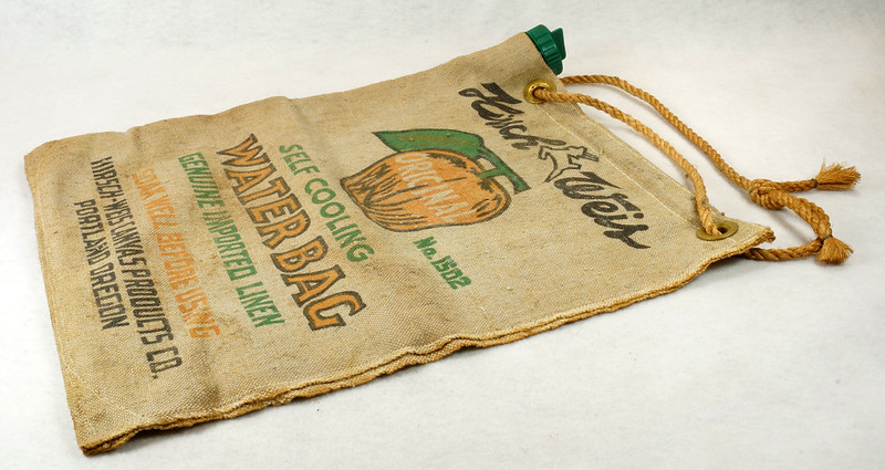 RD14937 Vintage Hirsch Weis Canvas Self Cooling Water Bag No. 1502 Portland, Oregon DSC06773