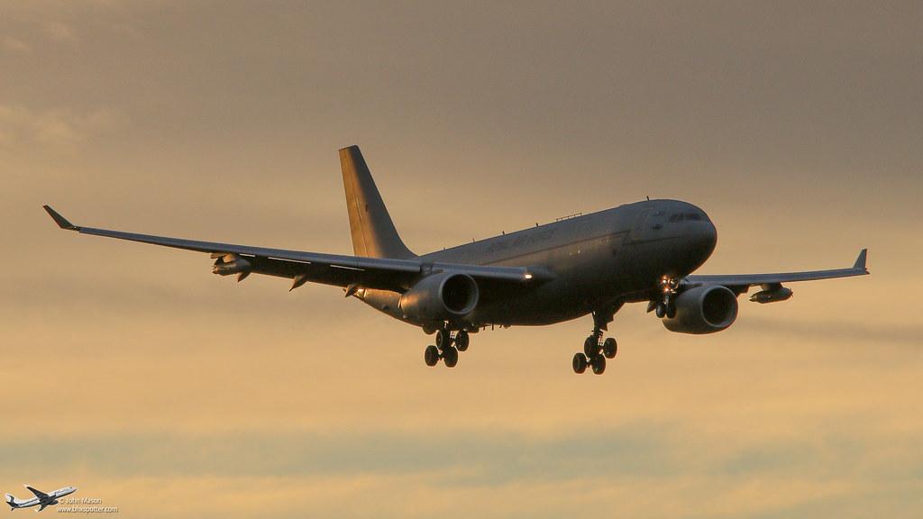 ZZ337 A332 RAF