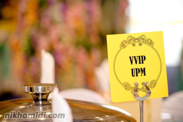 Label meja perkahwinan