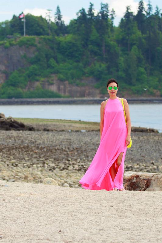 ASOS neon pink halter maxi dress, Ray-Ban mirrored green aviator sunglasses, J. Crew mini bag, fashion, style, beach, Vancouver, spring, blogger