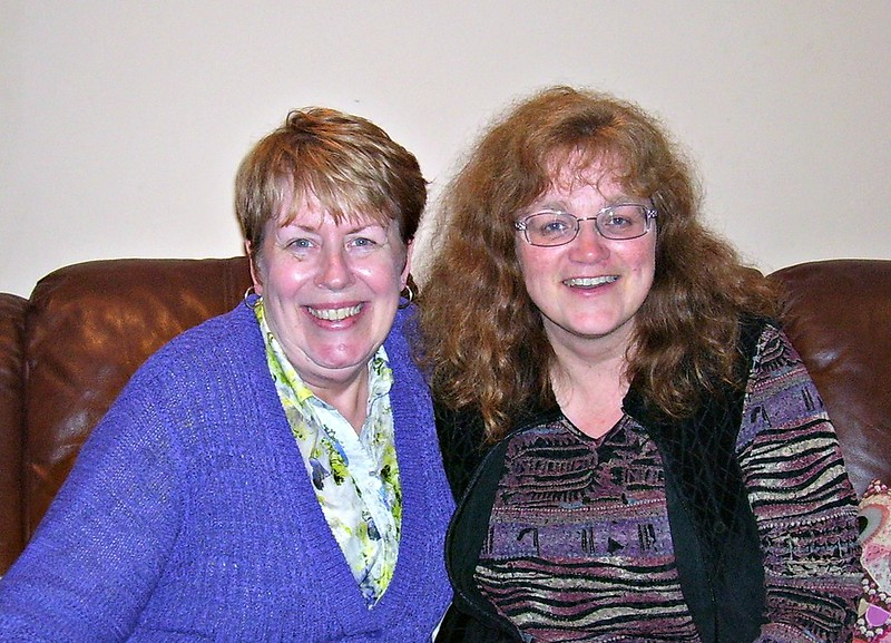 Two Hostess Sistas meet in Ireland (Linda W and Heather)
