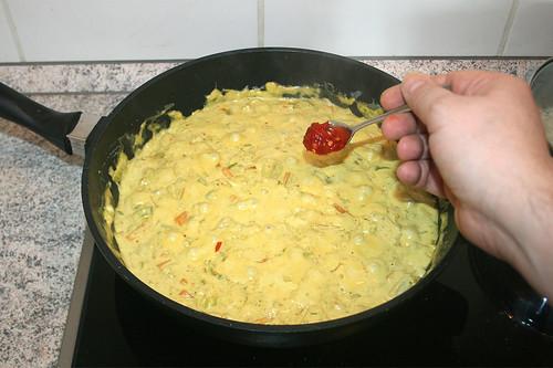 45 - Sambal Oelek einrühren / Stir in sambal oelek