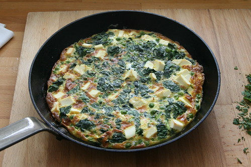 Pea, spinach & feta frittata with fresh mint
