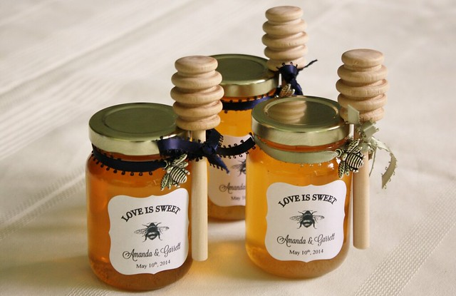 diy honey jar wedding favors