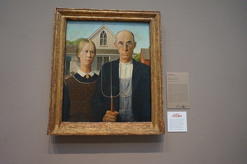 Chicago Art Institute American Gothic by Grant Wood