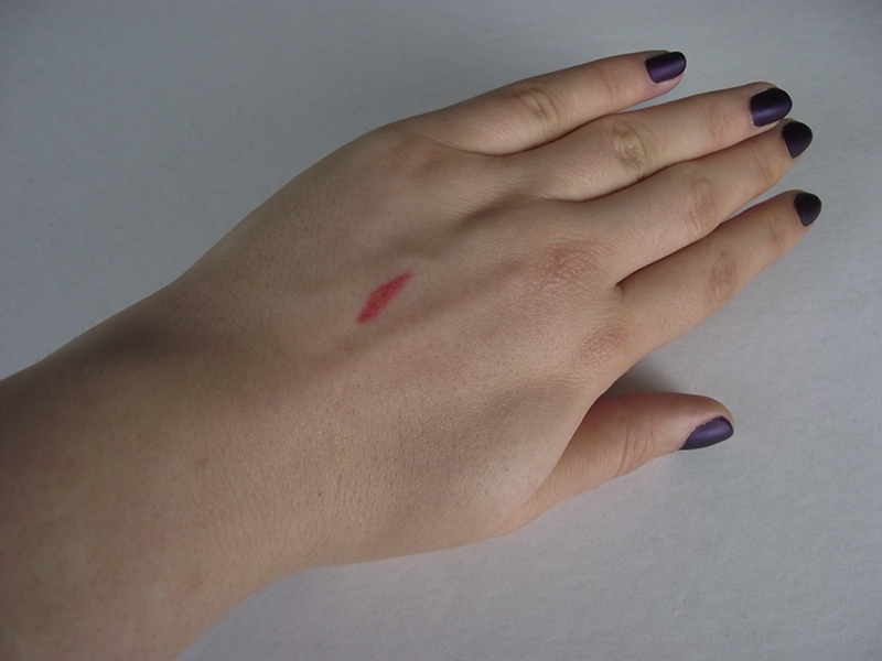 Ofra Lipliner Savage Red Swatch