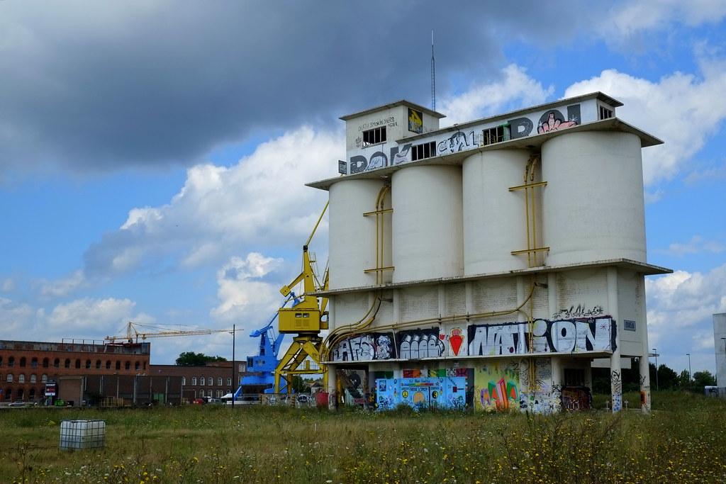 streetart | ghent . belgium