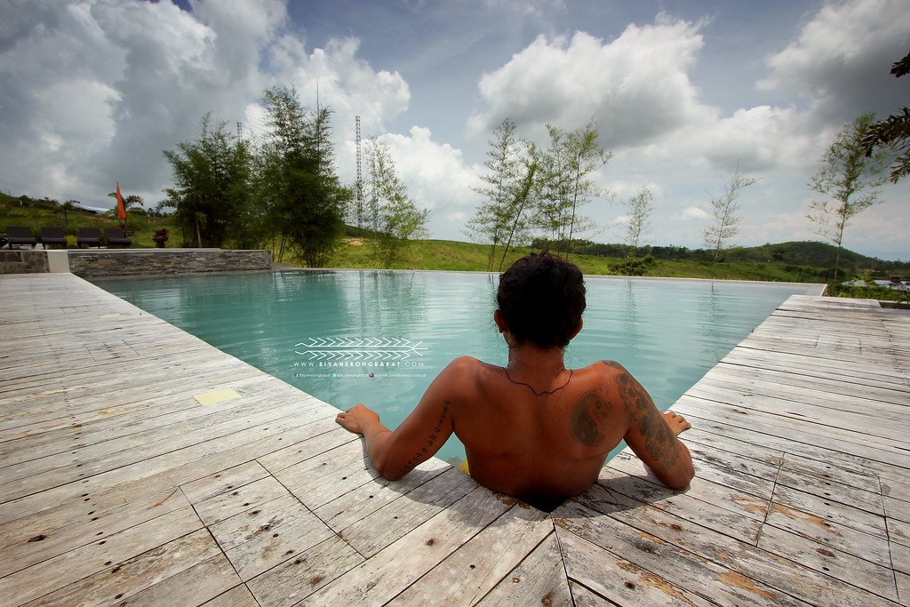 infinity pool mountains danasan eco-adventure park