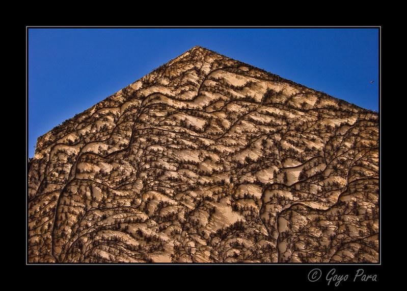 Fachada piramidal