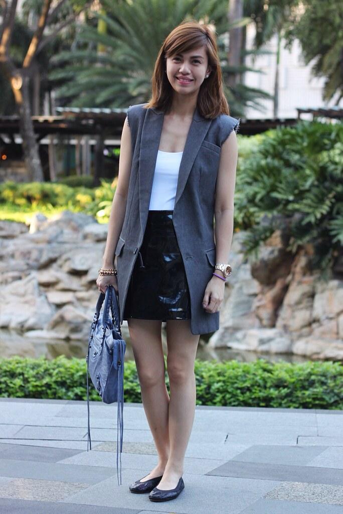 Sleeveless jacket whole