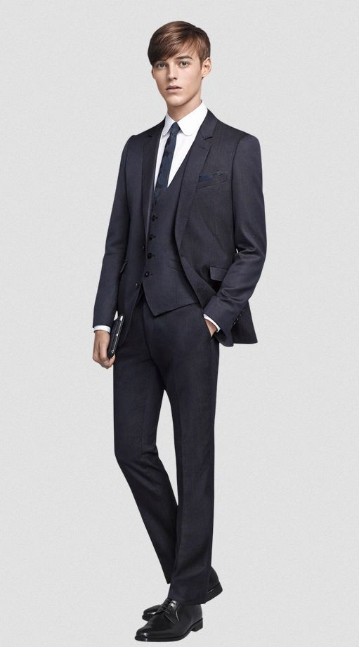 Robbie Wadge0740_SUIT SELECT