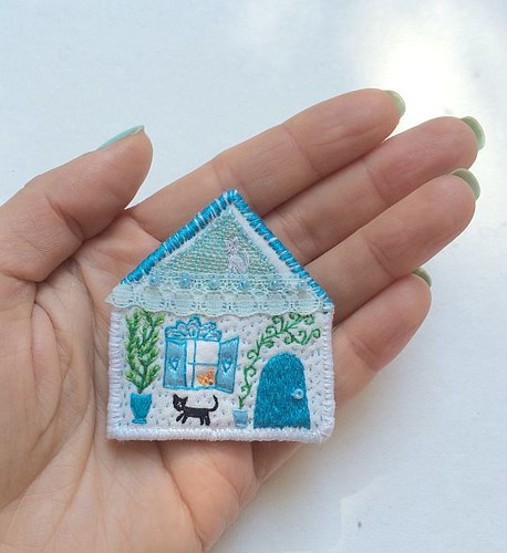 "Pet Brooch - ""The Cat house"" - hand embroidered textile jewelry"