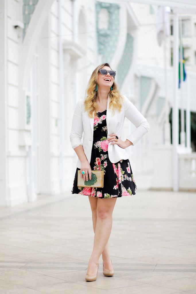 copacabana_palace_look_do_dia_clutch_livro_blog_de_moda_vestido_floral