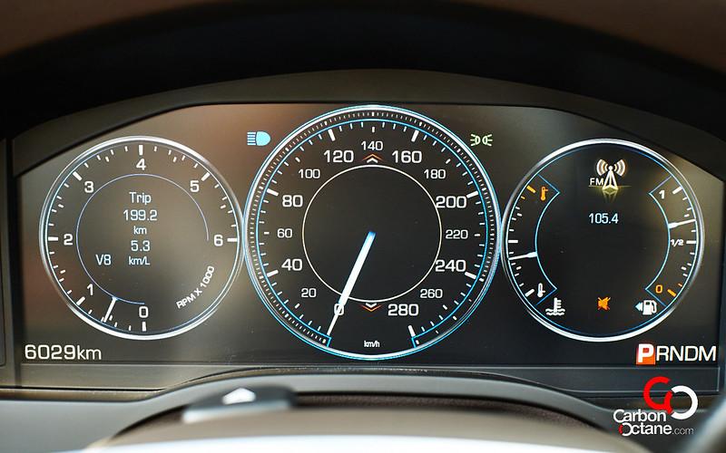 2014_Cadillac_Escalade_14-WEB
