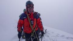 Ja na szczycie Kazbek 5043m. Zimno, wiatr i brak widoczności.