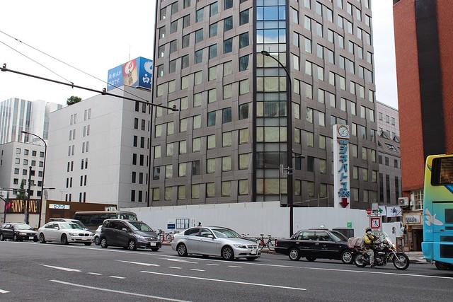 土浦亀城作の三原橋センター解体中 (16)