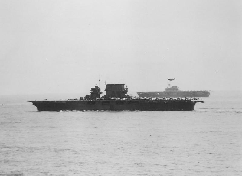 USS_Saratoga_(CV-3)_USS_Enterprise_(CV-6)_1942