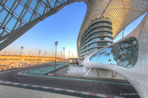 morning sky race marina sunrise track racing abudhabi formulaone circuit formule1 formula1 unitedarabemirates immeuble motorsport matin yas leverdesoleil yasmarina