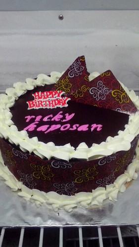 Terjual Kue Ulang Tahun Untuk Surprise