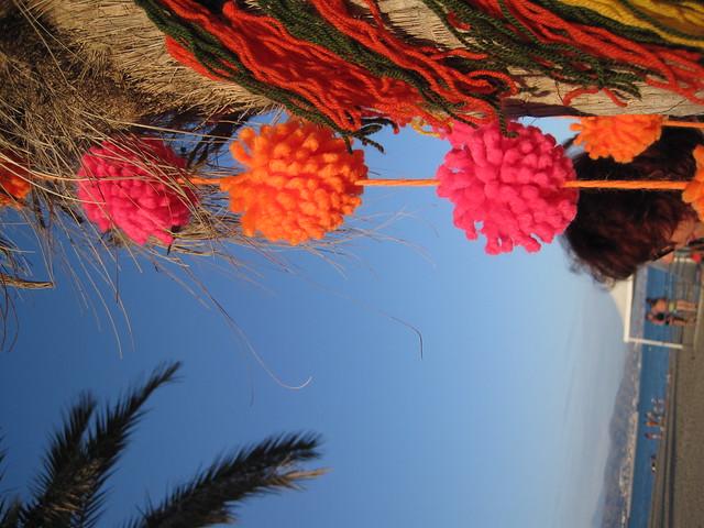 pompons garland