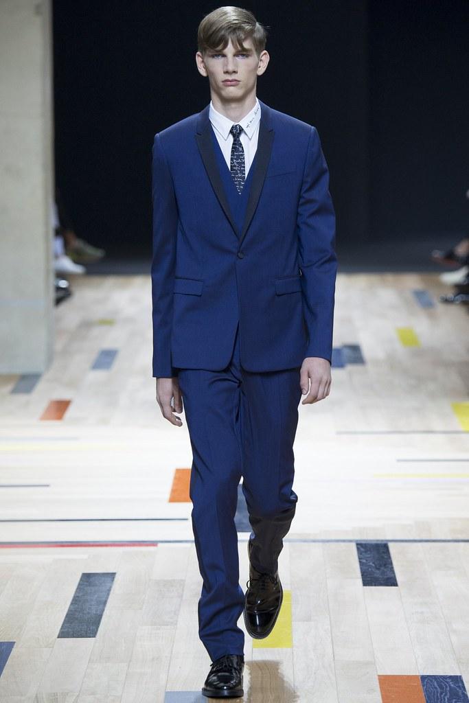 SS15 Paris Dior Homme002_Erik van Gils(VOGUE)