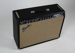 Fender-Vibrolux-at-Just-Great-Guitars
