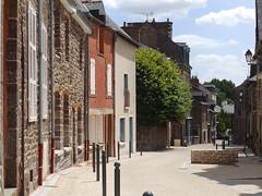La rue de la Saulnerie à Montfort sur Meu
