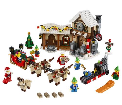 LEGO 10245 Santa's Workshop 01