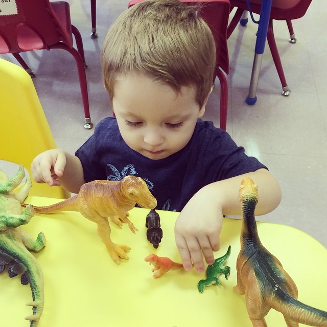 William had fun playing dinosaurs in his new classroom! He didn't even notice me leaving! What a big boy! #kids #firstdayofschool #preschool #preschooler