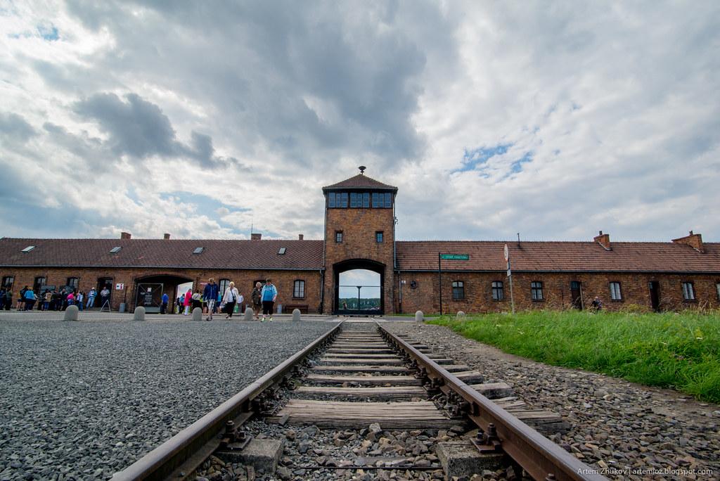 Auschwitz II–Birkenau-28.jpg