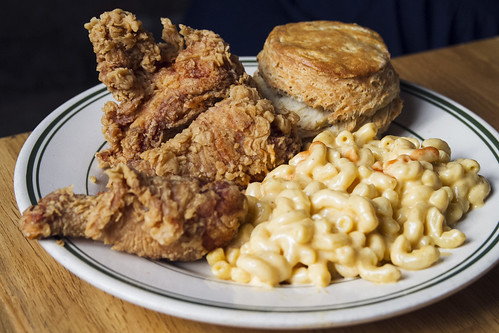 Fried chicken box with mac and cheese