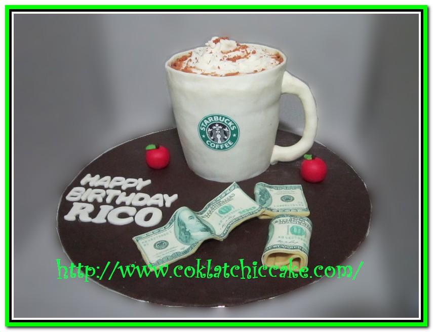 Kue ulang tahun starbuck dan tumpukan uang