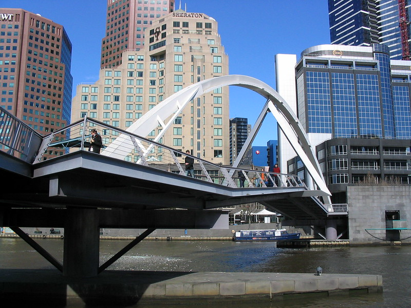Yarra pedestrian bridge, August 2004