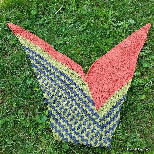 Free-Crochet-Pattern-Slanted-Little-Fans-Wrap