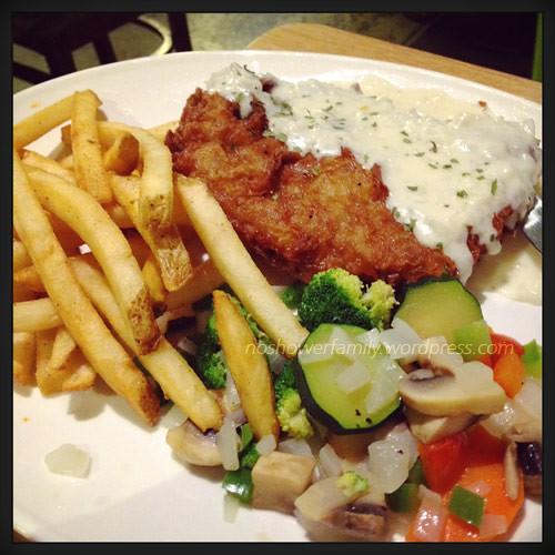fried-steek,-french-fries
