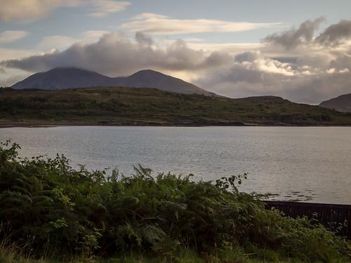sunrise scotland isleofskye innerhebrides unitedkingdom loch lochslapin kilmarie strathairdpeninsula