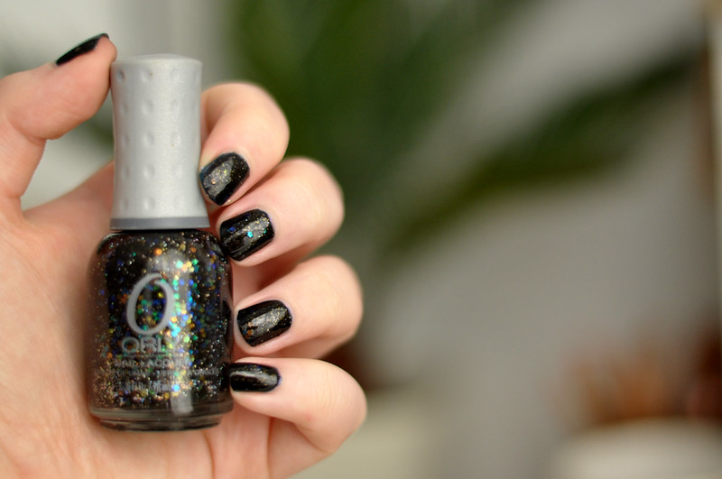 notd orly androgynie over black nail polish rottenotter rotten otter blog 1