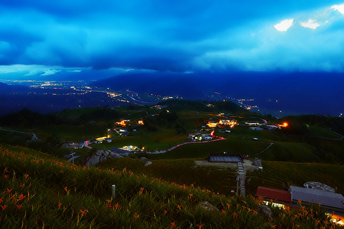 longexposure travel sky plants mountain flower night clouds landscape nightscape taiwan olympus daylily bluehour 夜景 hualien magichour 花蓮 金針花 em1 hemerocallisfulva 六十石山 萱草 忘憂草 liushidan 車軌 sixtystone 1240mmf28