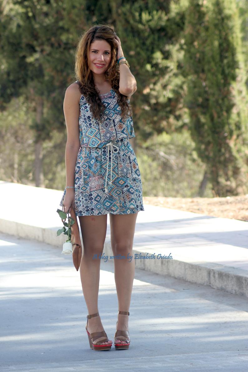 vestido-étnico-oasap-y-cuñas-marrones-zara-HEELSANDROSES-(3)
