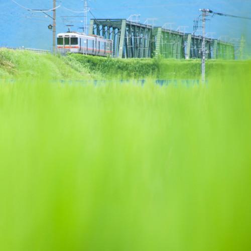 甲斐上野-東花輪 間。