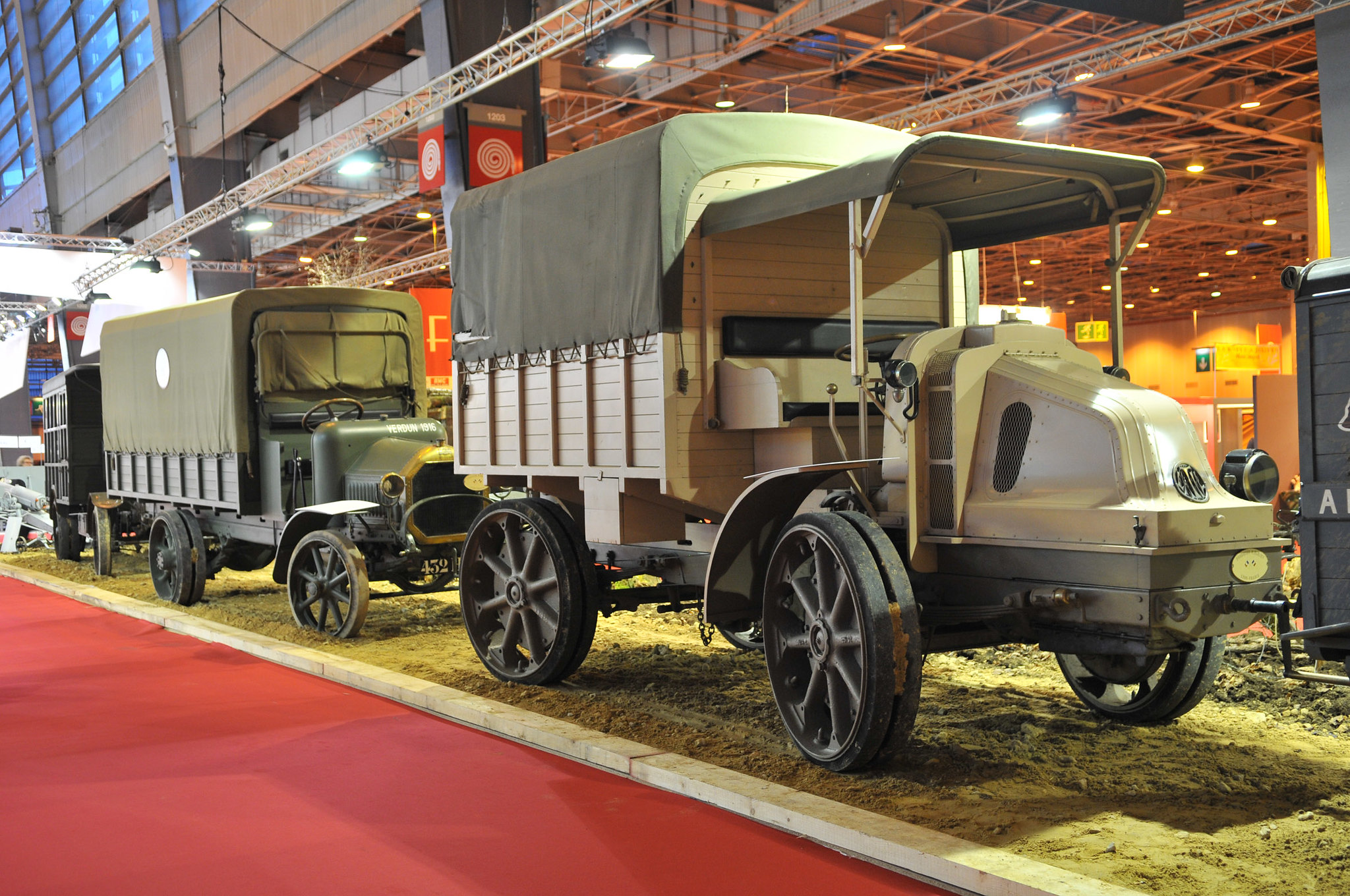 Tracteur d'artillerie Latil 4x4