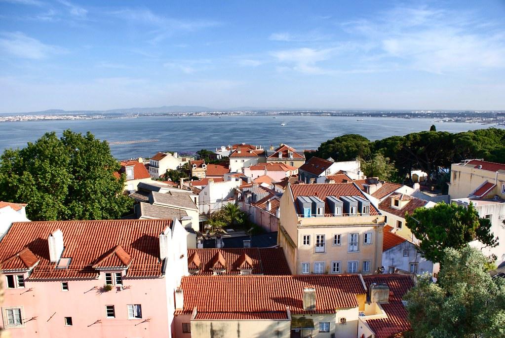 Vue sur le Tage depuis le chateau Saint George à Lisbonne.